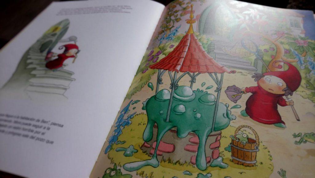 """Aufgeschlagenes Buch """"Die kleine Traummischerin"""" vom Baumhausverlag"""