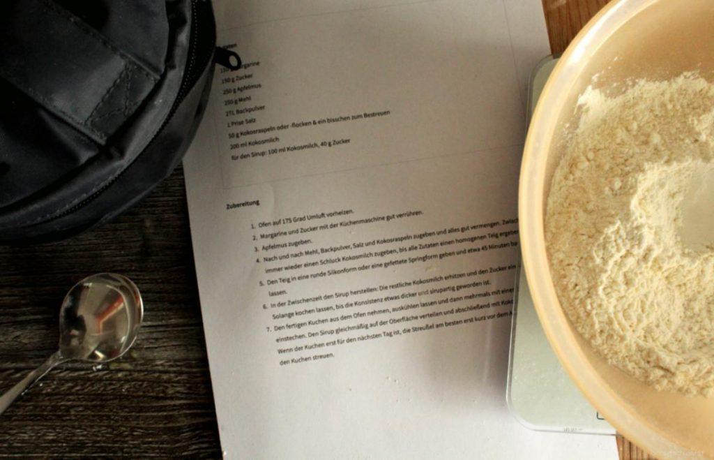 Zutaten und Rezept für einen Kokoskuchen