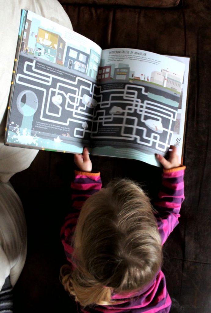 Abwassersysteme gezeichnet im Buch Buch meine großen Labyrinthe