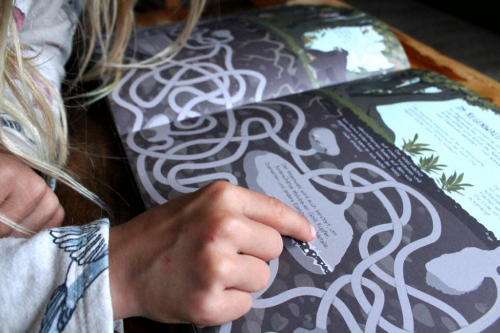 Eine Seite aus dem Buch meine großen Labyrinthe