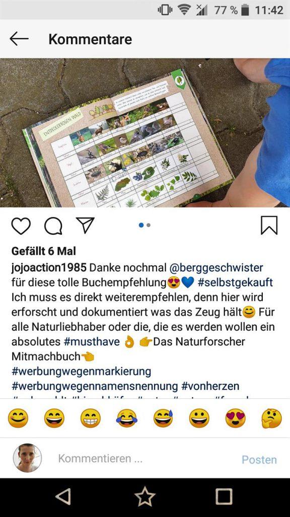 Naturforscher-Mitmachbuch liegt auf dem Boden