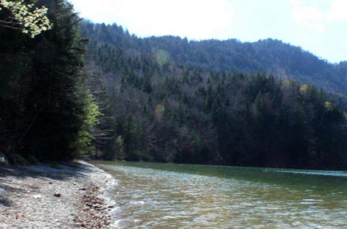 Der Weissensee bei Füssen im Allgäu
