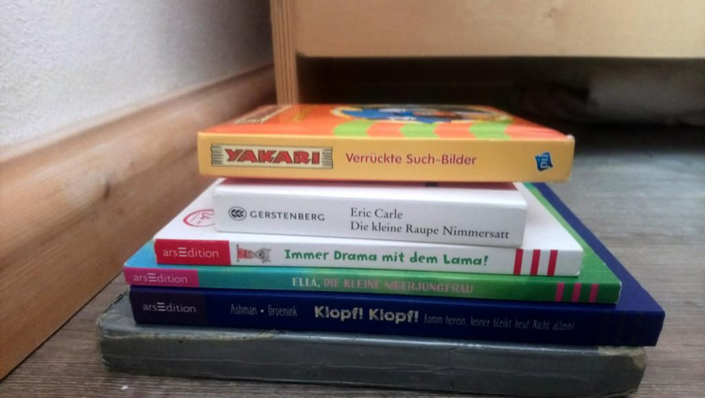 Stapel mit Kinderbüchern