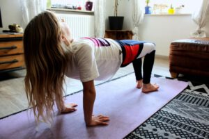Spinnen Pose Yoga