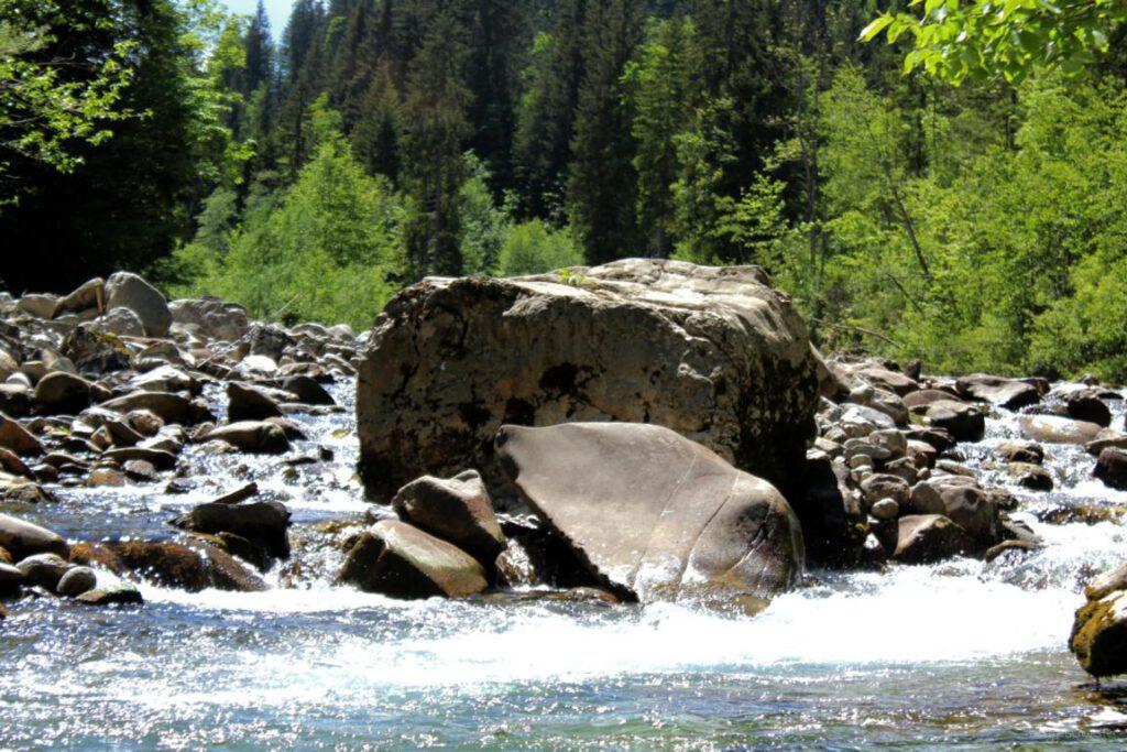 Breitachklamm Schlucht Breitach Fluss mit roßen Felsbrocken Allgäu