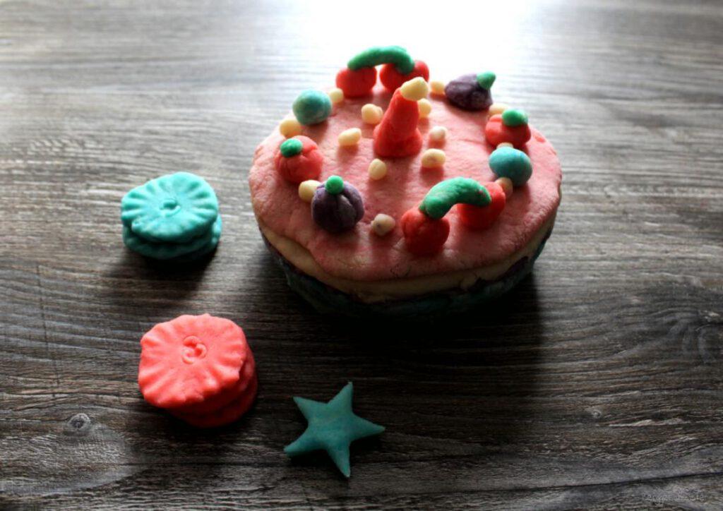 Torte aus Knete