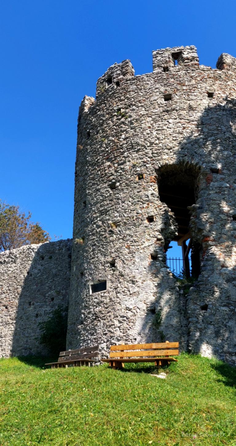 Burgruine Hohenfreyberg Wandern mit Kindern im Allgäu Burg